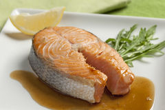 Bife salmon cozido Fotos de Stock Royalty Free