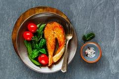 Bife salmon grelhado imagem de stock royalty free