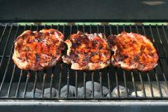 Bifes da carne de porco imagens de stock