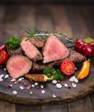 Bifes grelhados da carne imagens de stock royalty free