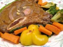 Bifteck à l'os et légumes Photos libres de droits