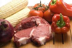 Bifteck avec des légumes Photographie stock libre de droits