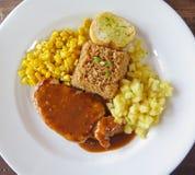 Bifteck avec le maïs et le riz Photo stock