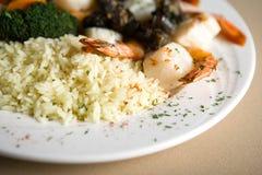 Bifteck, crevettes et riz photo libre de droits