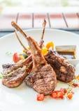 Bifteck d'agneau ou côtelettes d'agneau Image stock