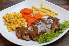 Bifteck d'un plat Photo libre de droits