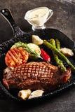 Bifteck de bande grillé images libres de droits