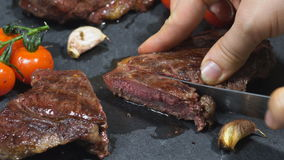 Bifteck de boeuf délicieux banque de vidéos