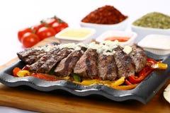 Bifteck de boeuf grillé frais photos libres de droits