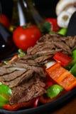 Bifteck de boeuf grillé frais image libre de droits