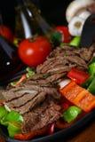 Bifteck de boeuf grillé frais image stock