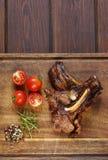 Bifteck de côtelettes grillé d'agneau avec le poivre images stock