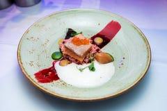 bifteck de poissons avec le caviar photo libre de droits