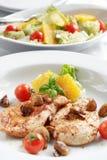Bifteck de poulet avec de la salade Images libres de droits