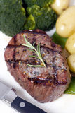 Bifteck de premier aloyau Images libres de droits