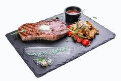 Bifteck de Ribeye avec des l?gumes photos libres de droits