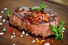 Bifteck grillé photographie stock