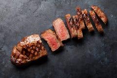 Bifteck grillé de striploin Images libres de droits