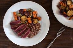 Bifteck rare grillé d'autruche Photo stock