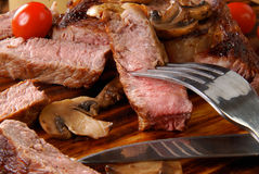 Bifteck rare moyen de nervure Images libres de droits