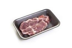 Biftecks de viande crue dans le paquet Photographie stock libre de droits