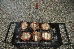 Biftecks grillés sur le gril Photo libre de droits