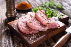 Biftecks juteux de porc photos stock