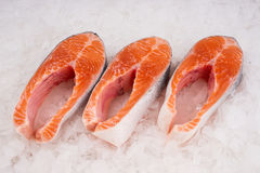 Biftecks saumonés Photos libres de droits