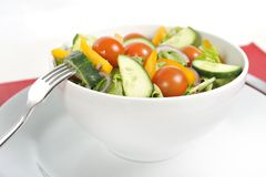 Bifurcación con el cuenco de ensalada sano de las verduras Fotografía de archivo