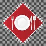 Bifurcación, cuchillo y cuchara con una placa de sopa en servilleta roja Ajuste de los cubiertos y de la tabla del plato Illustra Imagen de archivo
