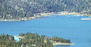 Big Bear sjö i November Royaltyfri Foto