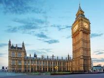 Big Ben και σπίτια του Κοινοβουλίου στο βράδυ, Λονδίνο, UK στοκ εικόνα