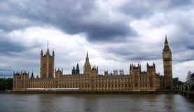 Big Ben και τα σπίτια του Κοινοβουλίου στο Λονδίνο, Αγγλία στοκ φωτογραφία