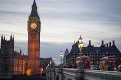 Big Ben με τη γέφυρα του Γουέστμινστερ Στοκ φωτογραφίες με δικαίωμα ελεύθερης χρήσης