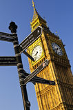 Big Ben clock tower. With signpost in London Stock Photos