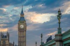 Big Ben con el cielo hermoso después de la puesta del sol, Londres, Reino Unido Fotos de archivo