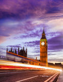 Big Ben con el puente por la tarde, Londres, Inglaterra, Reino Unido Fotos de archivo