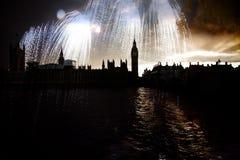 Big Ben con i fuochi d'artificio Notte di San Silvestro Fotografia Stock Libera da Diritti