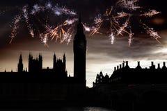 Big Ben con i fuochi d'artificio Notte di San Silvestro Immagini Stock