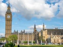 Big Ben do jardim do quadrado de Paliament em Londres Imagens de Stock