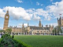 Big Ben do jardim do quadrado de Paliament em Londres Imagem de Stock Royalty Free