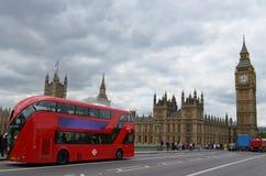 Big Ben e bus rosso Fotografie Stock