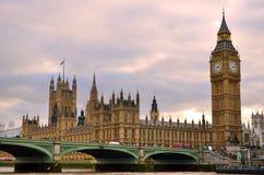 Londra big ben e case del parlamento regno unito for Camere parlamento