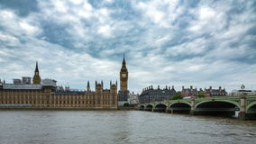 Big Ben ed il palazzo del timelapse di Westminster stock footage