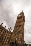 Big Ben an einem bewölkten Tag Lizenzfreie Stockfotos