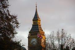 Big Ben en Britse vlag Stock Fotografie