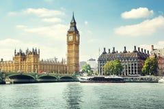 Big Ben en el día soleado, Londres Foto de archivo libre de regalías