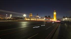 Big Ben en Huis van het Parlement bij Nacht, Londen, het Verenigd Koninkrijk Royalty-vrije Stock Afbeeldingen