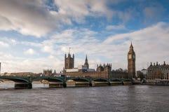 Big Ben et pont de Westminster à Londres image stock