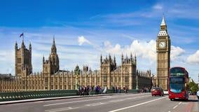Big Ben, huizen van het Parlement en de brug van Westminster Londen stock footage